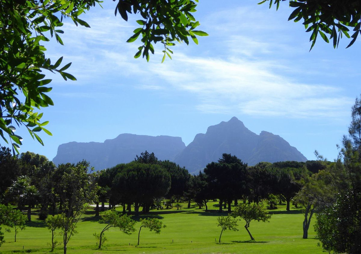 but even during the  secret season   Rondebosch buzzes with activity as  most of the students of the University of Cape Town live in Rondebosch. Rondebosch Self Catering Cottage Accommodation